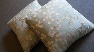 Piped and zipped made to measure cushions