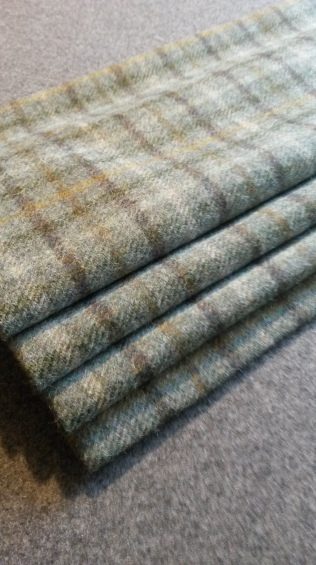 Lined roman blind - made to measure, Dumbleton