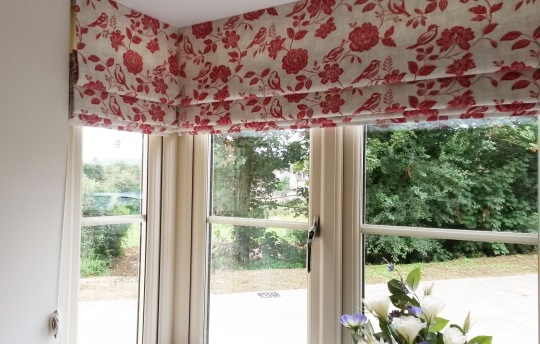 Bespoke roman blind in square bay - Winchcombe