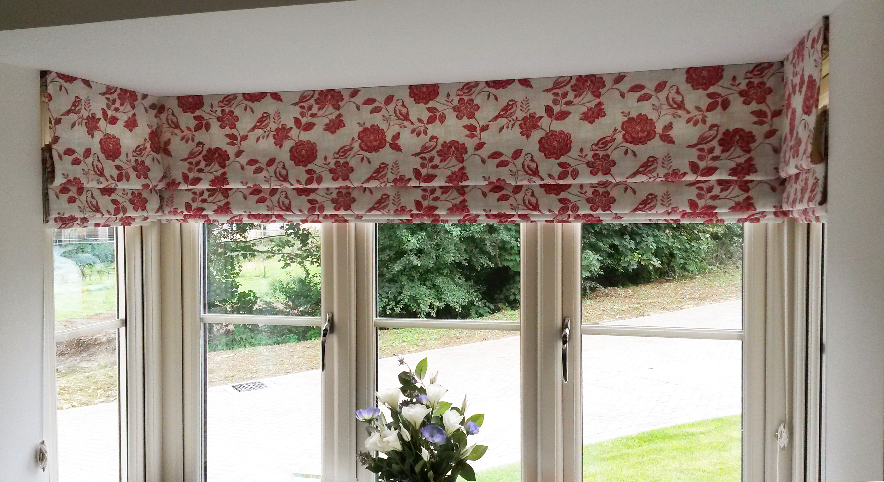 Roman Blinds For A Square Bay Window Willow Bee