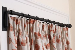 curtain20on20portiere20resized