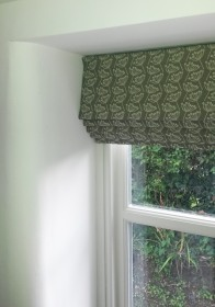 Roman blind in Cow Parsley fabric