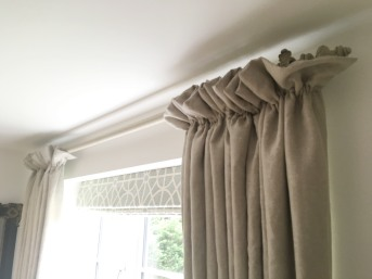 Cottage frill heading linen curtains with Sanderson Garden Plan fabric on roman blind